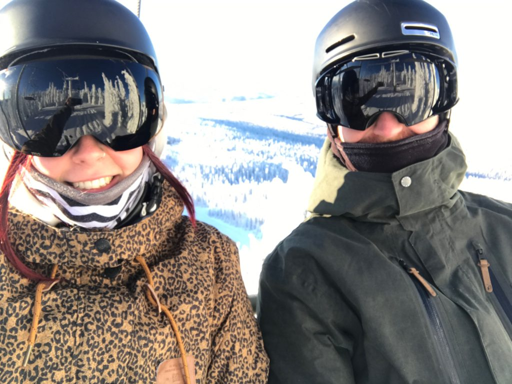 Two grown up ski bums